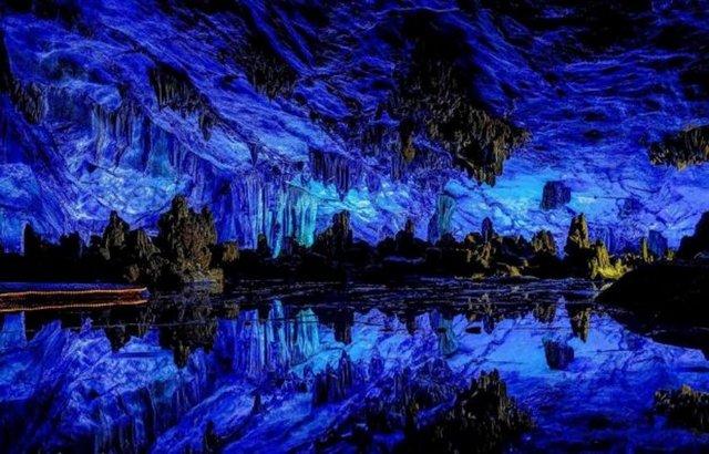 DÜNYANIN EN GÖRKEMLİ 15 MAĞARASI( Reed Flute Mağarası,Çin)